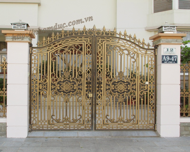 Cổng cửa hợp kim nhôm đúc, sản phẩm cửa cổng nhôm đúc Fuco được nhiều khách hàng lựa chọn.