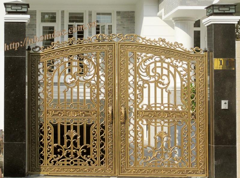 Cửa nhôm đúc tân cổ điển, Cửa cổng là một bộ phận không thể thiếu của ngôi nhà