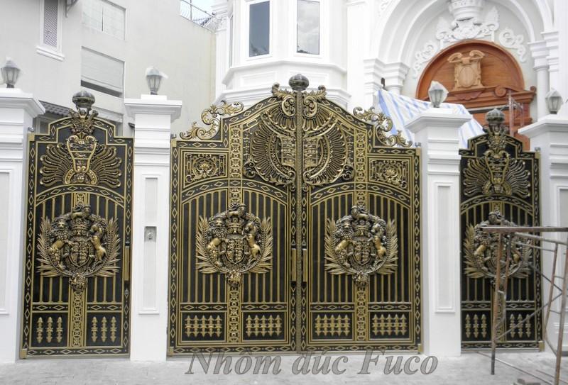 Cổng cửa nhôm đúc tham khảo