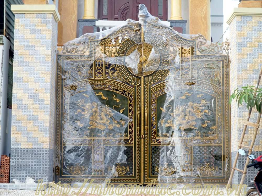Ý nghĩa hình ảnh rồng trên những cánh cổng nhôm đúc