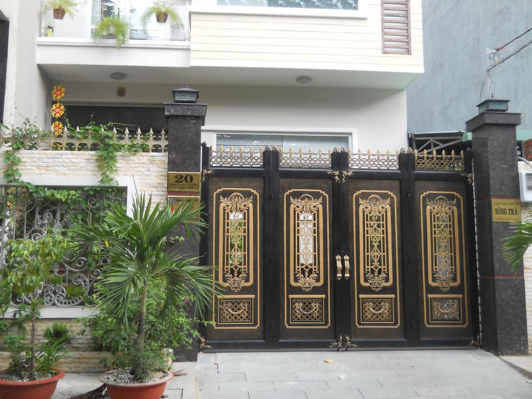 Những đặc điểm nổi bật cửa nhôm đúc, Sau một thời gian chờ đợi, Cửa cổng nhôm đúc đã chính thức ra mắt tại nhiều công trình biệt thự
