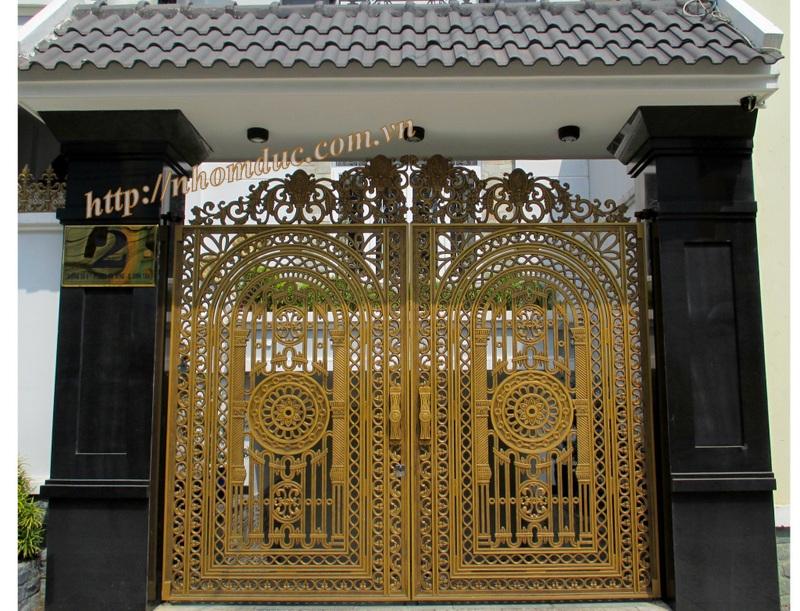 Mẫu cửa nhôm đúc GAT 103, cửa cổng nhôm đúc Fuco mẫu mã đẹp, sản xuất công nghệ Nhật Bản, sơn tĩnh điện cao cấp. Cửa nhôm đúc chất lượng cao nhất