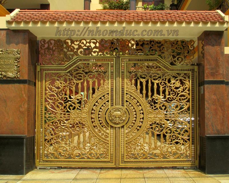 Nhôm Đúc Chuyên sản xuất thiết kế sản xuất cổng nhôm đúc, cửa nhôm đúc, cổng biệt thự, lan can nhôm đúc, hàng rào nhôm đúc.